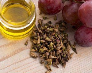Виноградные косточки и ягоды