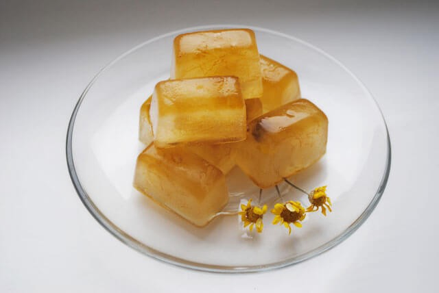 носогубные складки кубики льда из ромашки