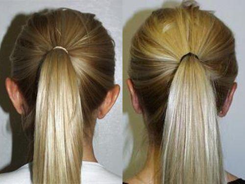 блондика показывает уши