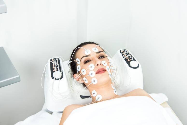 миостимуляция лица и шеи