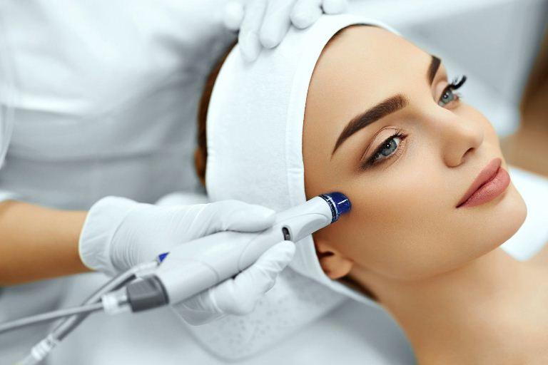 Лазерная шлифовка лица: полная информация о процедуре (2018)