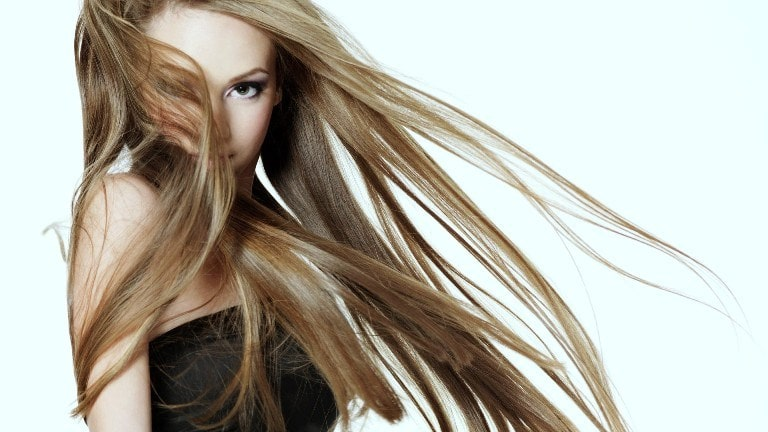 Разлетаются волосы
