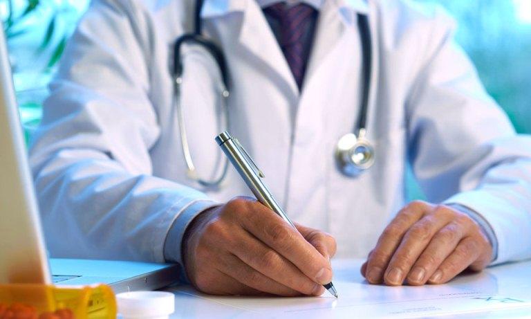 Доктор в клинике Скандинавия