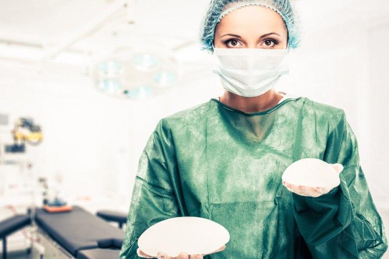 Хирург и импланты