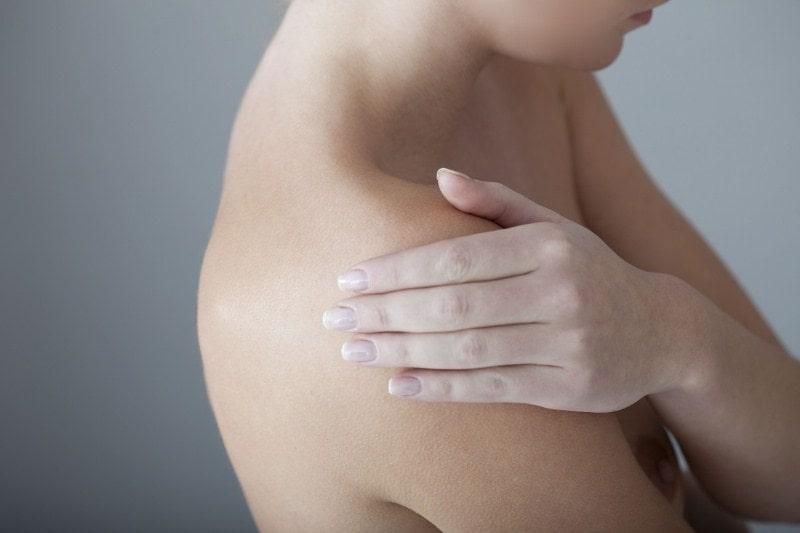 Оголенное женское тело
