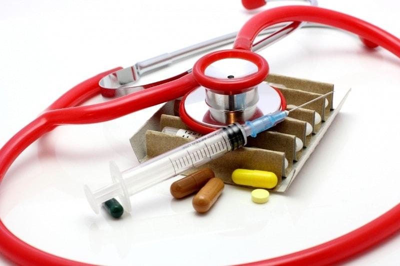 Медицинские инструменты и лекарства