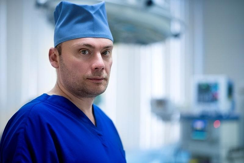 пластический хирург Михайлов Андрей