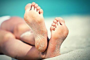 Песок на ногах