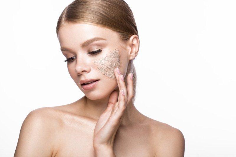 Уход за кожей лица масками