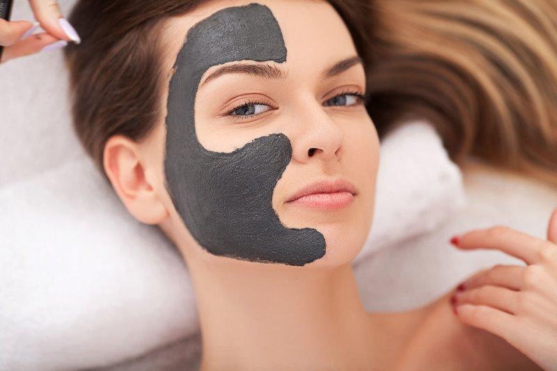 маска с мумие