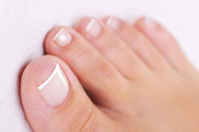 Женские пальцы на ноге