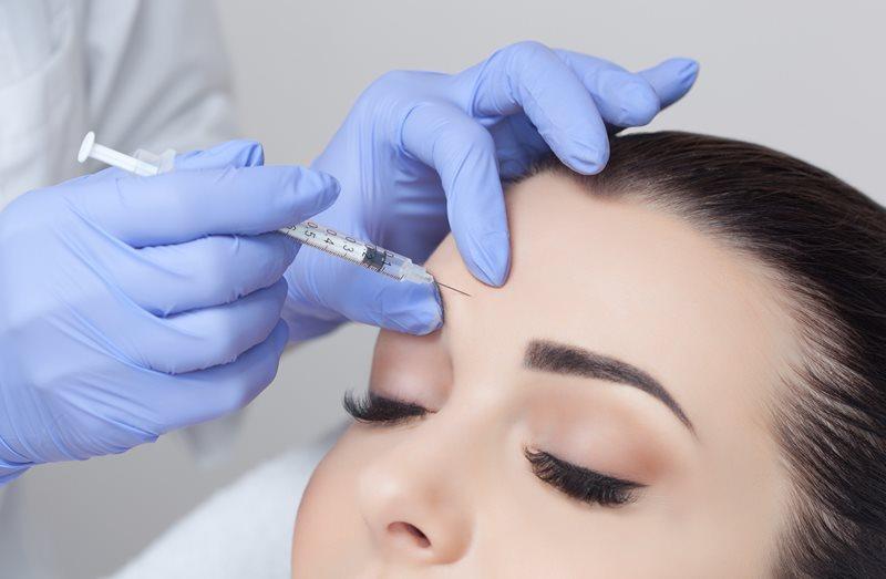 Введение препарата в лицо