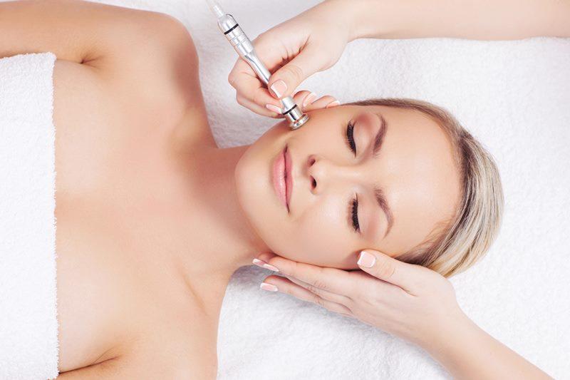 Безинъекционная мезотерапия проводится на лице