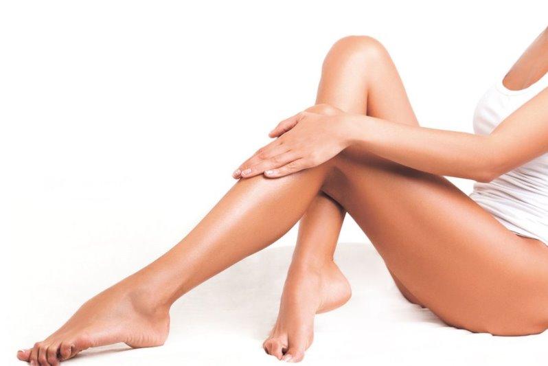 Гладкие женские ножки