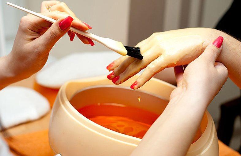 Парафинотерапия для рук в салоне