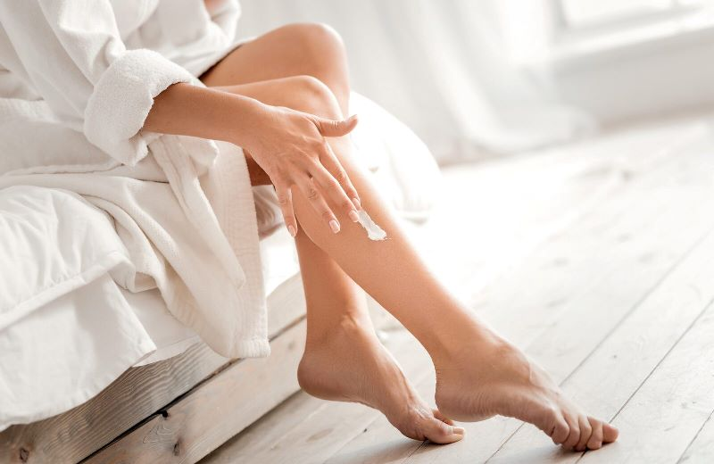 Обезболивание при эпиляции ног