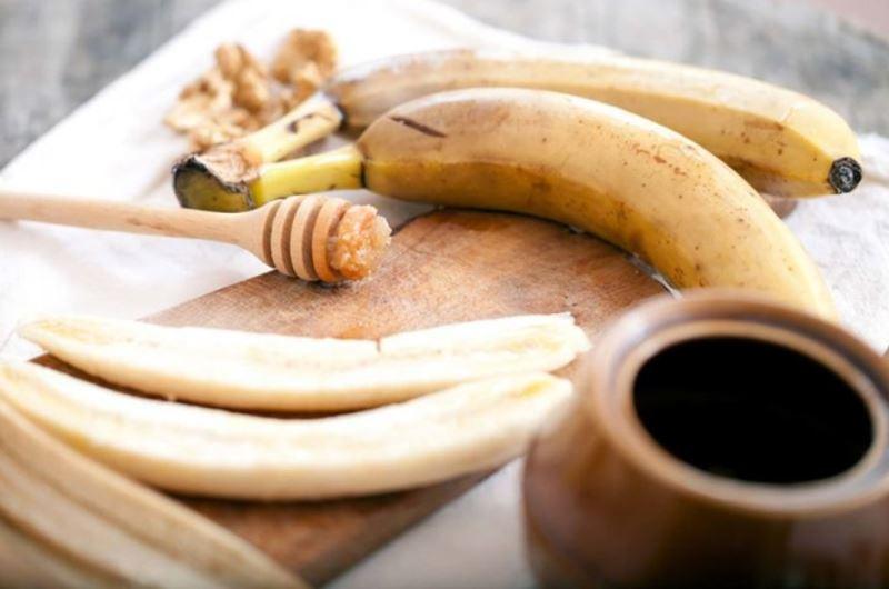 Банановая маска для лица с медом