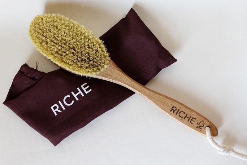 Щетка для сухого массажа Риче