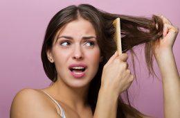 Выпадение волос у женщин из-за расчесывания